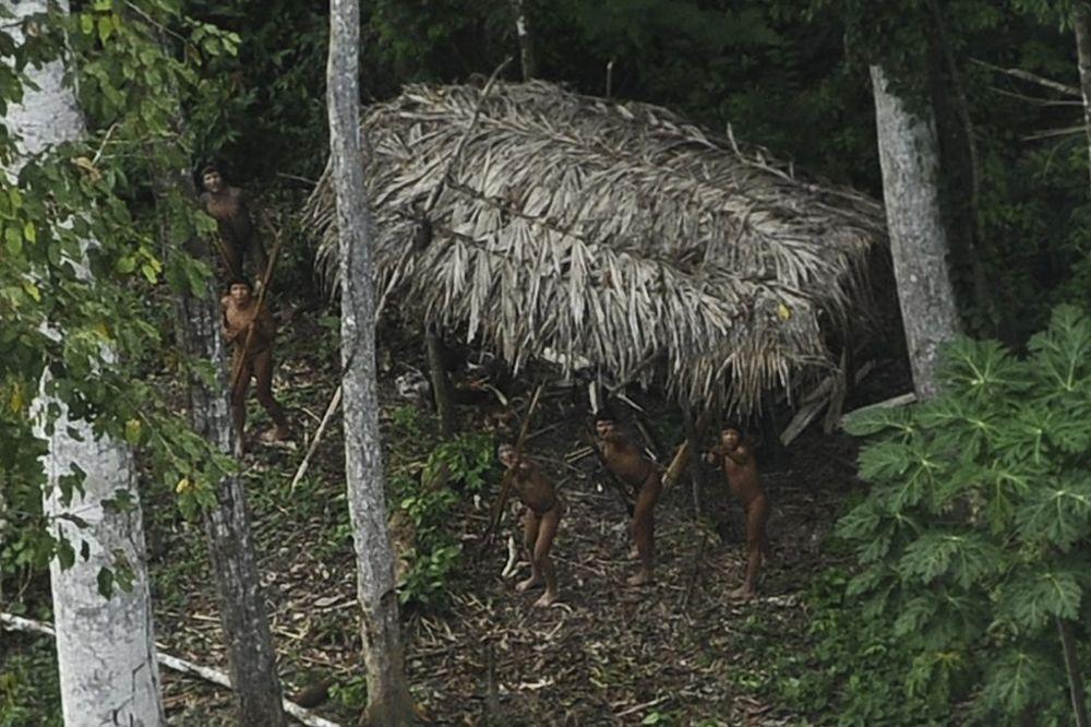 SP Brazil 2014. Brazil-pleme-rojters-1396175462-470803