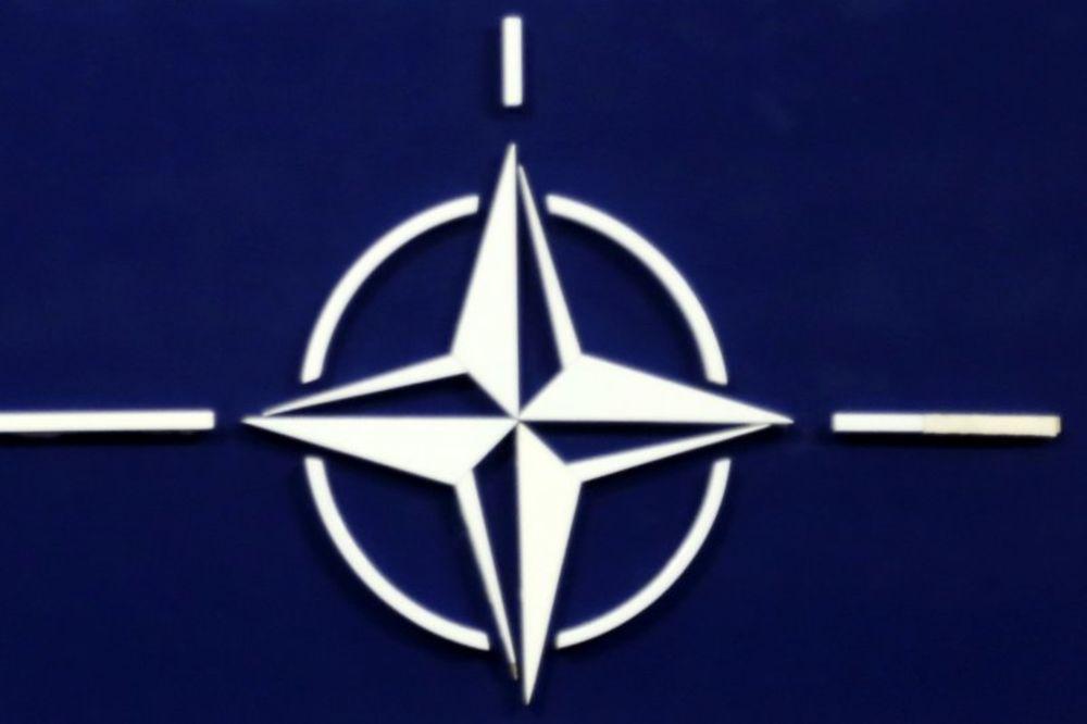 """CENZURA U CRNOJ GORI: Učeniku obrisali s majice natpis """"Ne u NATO"""""""