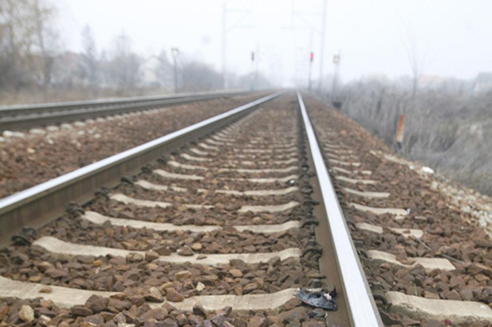 DEMIR KAPIJA: Sirijca pregazio voz dok se kretao šinama