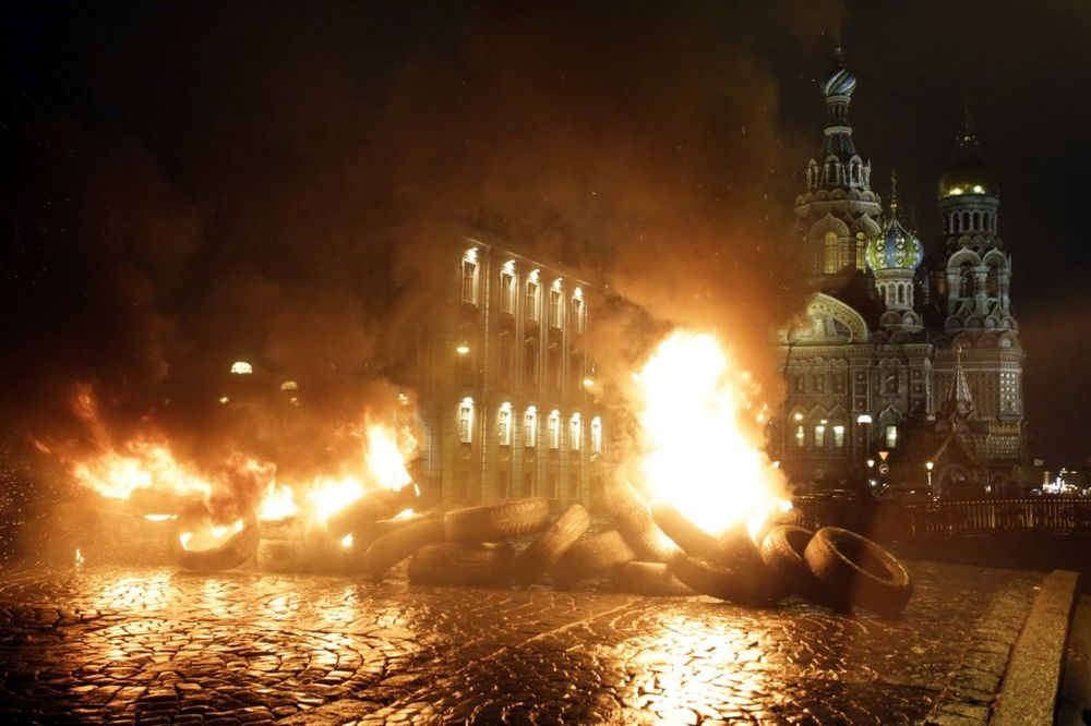 POČAST KRVAVOM PROTESTU: Evromajadanu nagrada Leh Valensa!