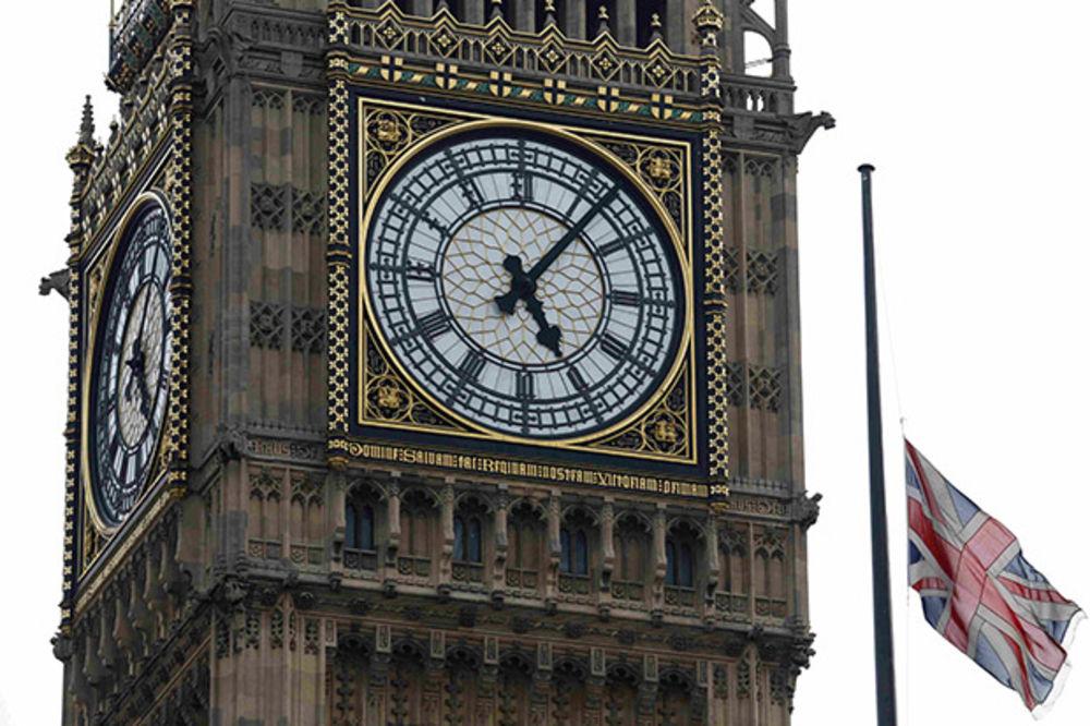 LONDON ŠPIJUNIRA CEO SVET: Britanci imaju pun pristup američkoj NSA!