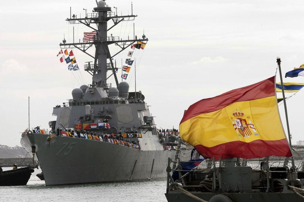 RUSKI AMBASADOR: Šta američki razarač radi 70 kilometara od naše glavne baze?