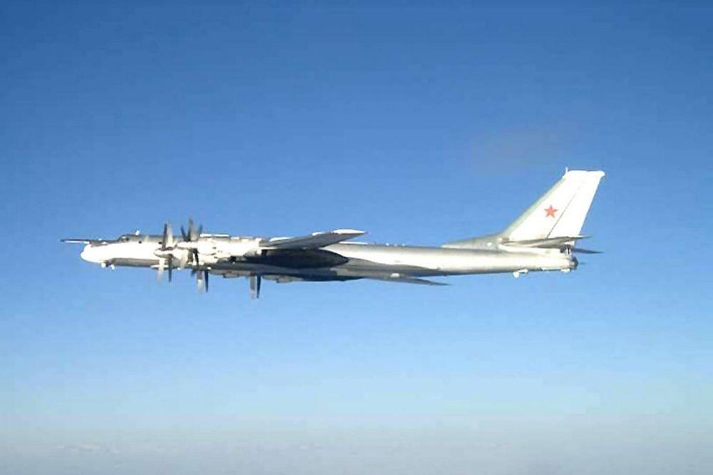 TOKIO PODIGAO LOVCE: Ruski bombarderi u vazdušnom prostoru Japana!