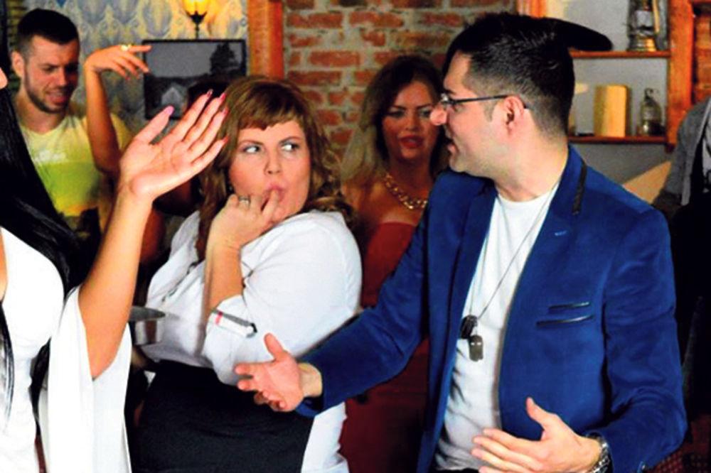 FAJT: Simonida i Mimi Oro žestoko se izvređale