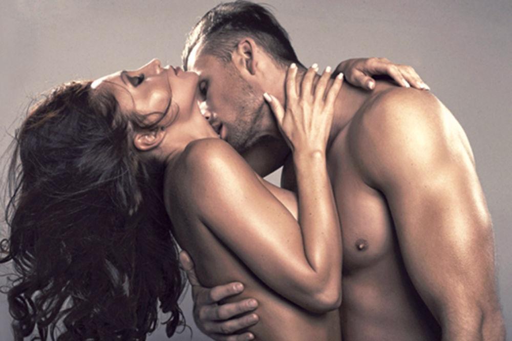Evo zašto zatvaramo oči tokom seksa