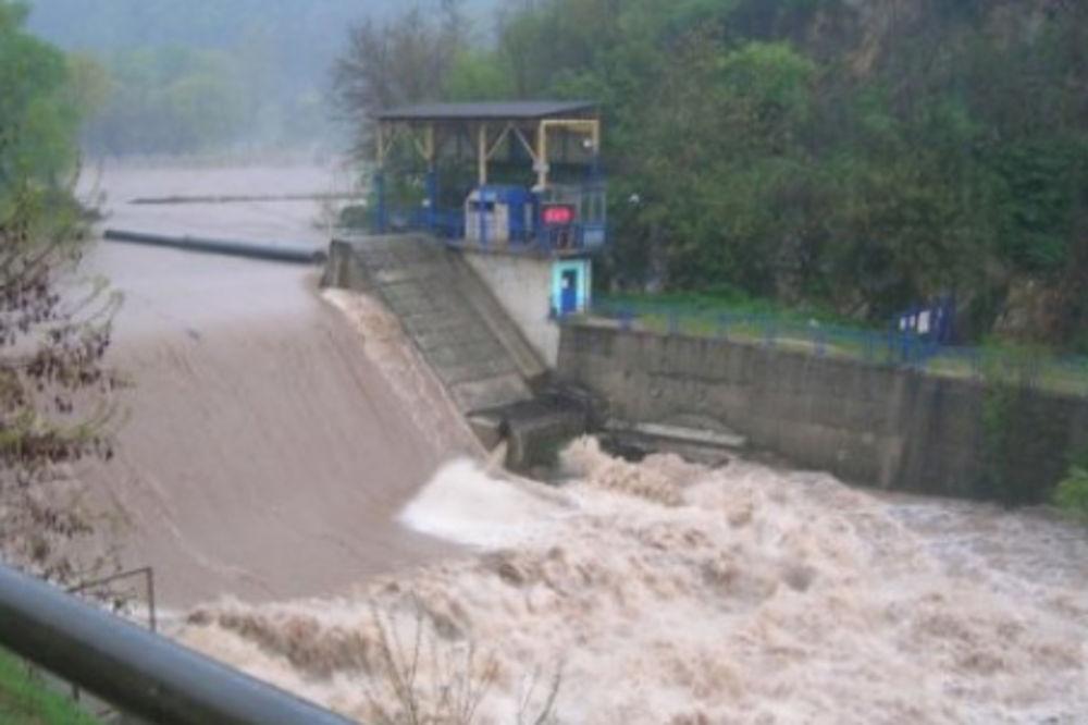 U LUČANIMA PONOVO POPLAVE: Izlila se reka Bjelica, evakuisano 35 meštana!