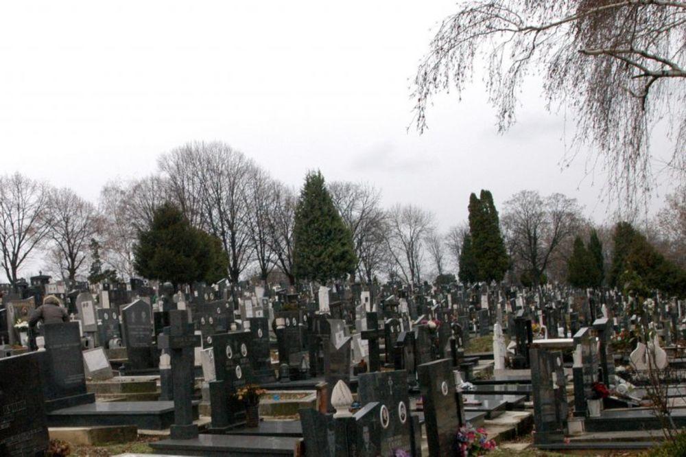 MISTERIJA U JAGODINI: Pronašli telo mladića (27) na Ruskom groblju!