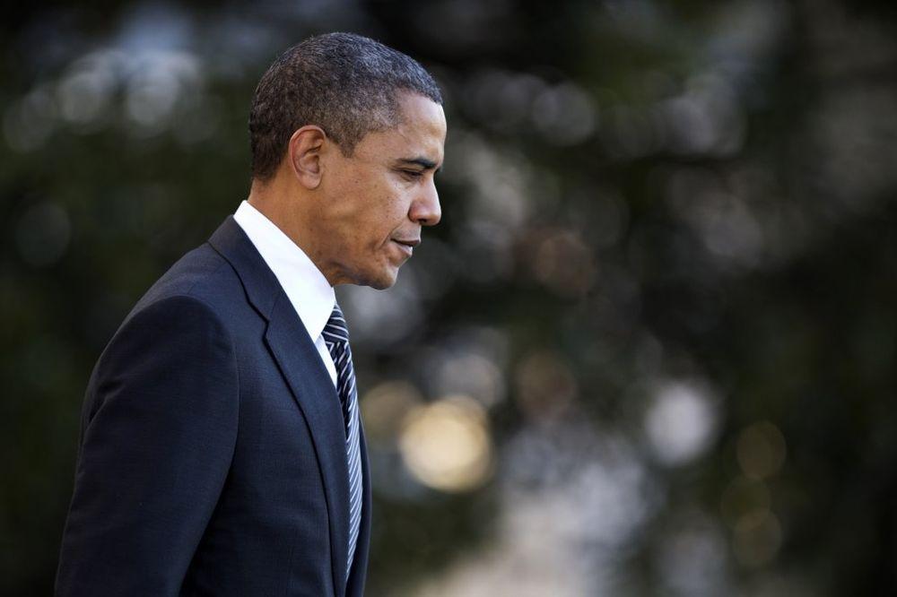 POKUŠAO DA UBIJE OBAMU? Sa nožem u ruci preskočio ogradu i došao do glavnog ulaza u Belu kuću!