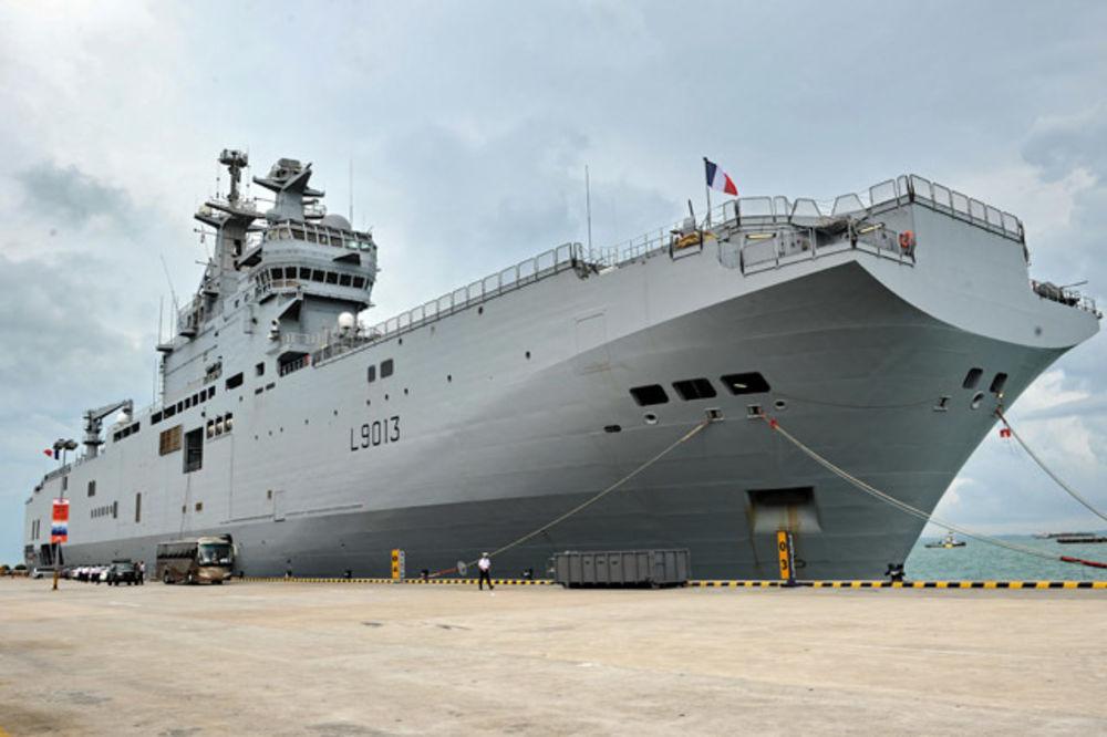 STORNO: Francuska odložila isporuku ratnog broda Rusiji