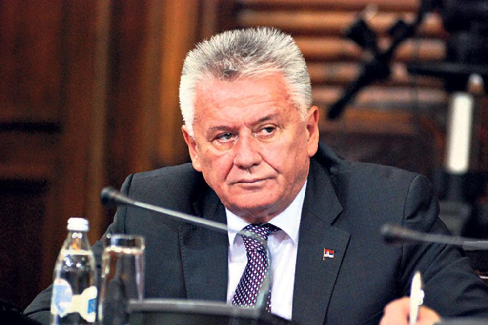 VELJA POSLAO 101 RUŽU: Ministar Ilić se izvinio novinarki CINS Milici Šarić