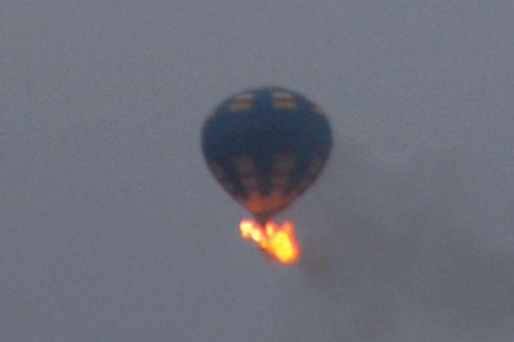 UŽAS U TEKSASU: Balon sa 16 osoba izgoreo na nebu i srušio se na zemlju