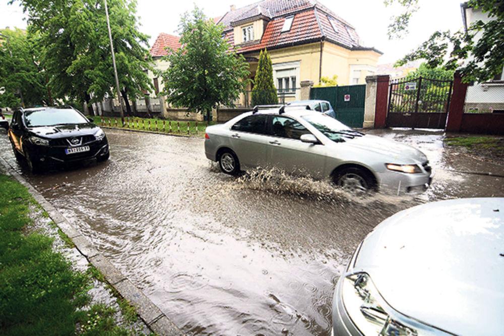 JUG SRBIJE POD VODOM: Vanredna situacija u Vranju, prekid saobraćaja u Vladičinom Hanu