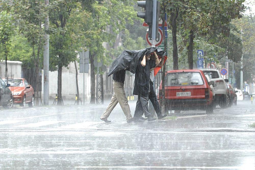 CRVENI METEOALARM: Zbog kiše i snega haos u četvrtak u Beogradu, Sremu i zapadnoj Srbiji!