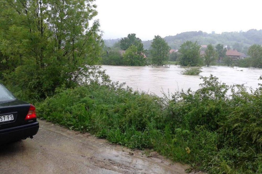 MAJ. 2014 GOD. Mala-mostanica-poplava-foto-facebook-1400091485-496433