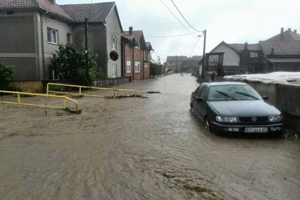 MAJ. 2014 GOD. Veliko-selo-poplava-vanredno-stanje-beograd-foto-citaoci-reporteri-web-kuri-1400094159-496455