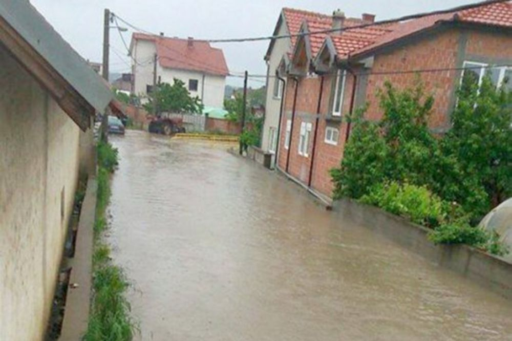 MAJ. 2014 GOD. Veliko-selo-poplava-vanredno-stanje-beograd-foto-citaoci-reporteri-web-kuri-1400094159-496463