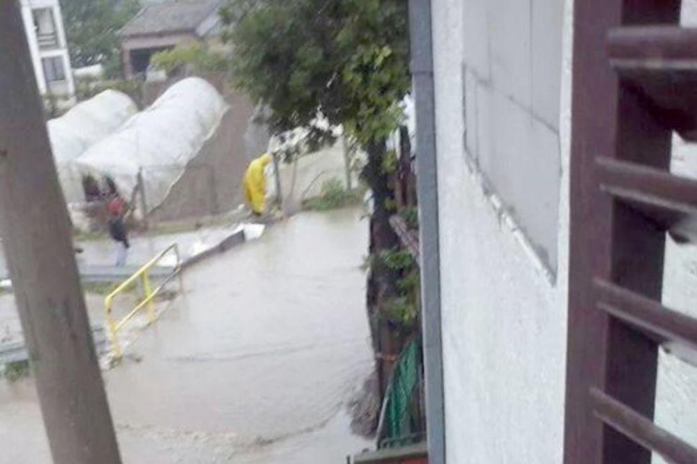 MAJ. 2014 GOD. Veliko-selo-poplava-vanredno-stanje-beograd-foto-citaoci-reporteri-web-kuri-1400094334-496465