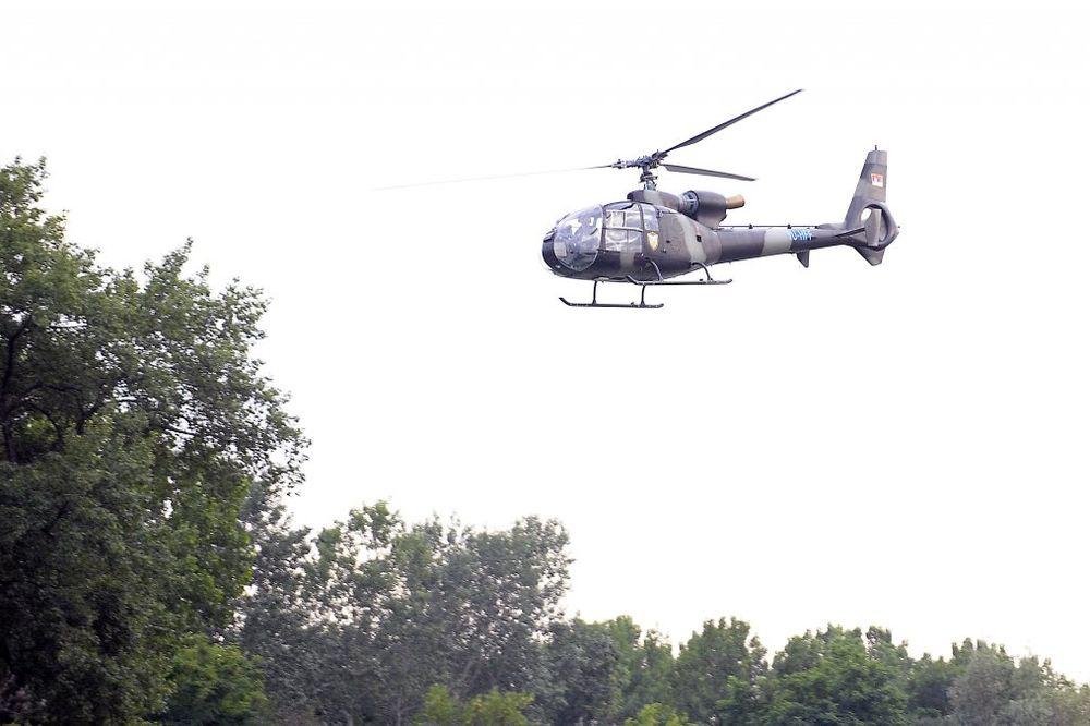 REDOVNA OBUKA: Vojni helikopteri večeras nad Banjicom