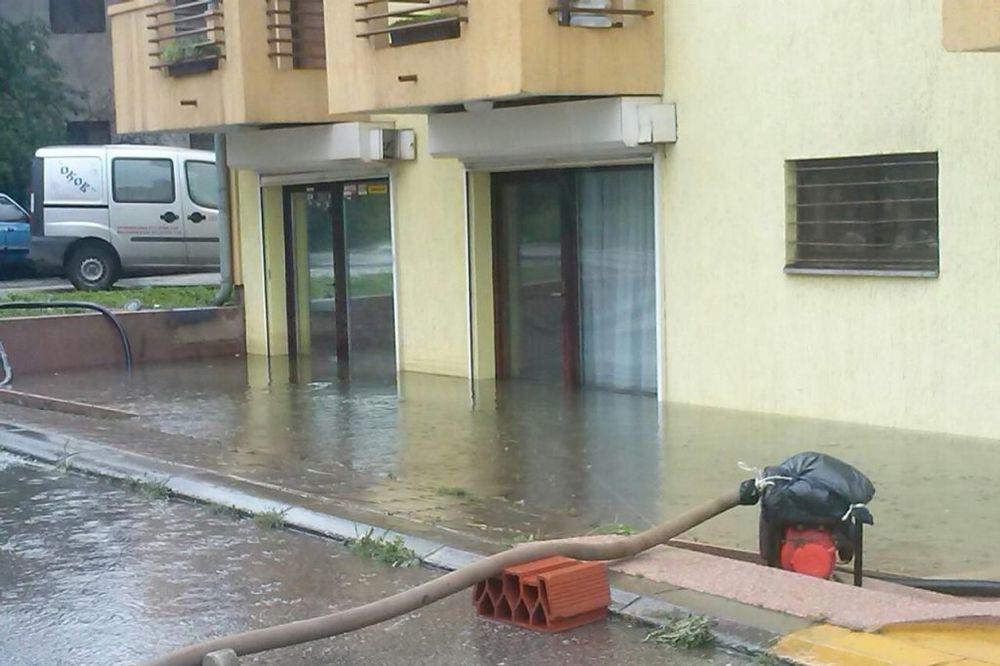 MAJ. 2014 GOD. Naselje-senjak-obrenovac-poplava-foto-facebook-1400164175-497083