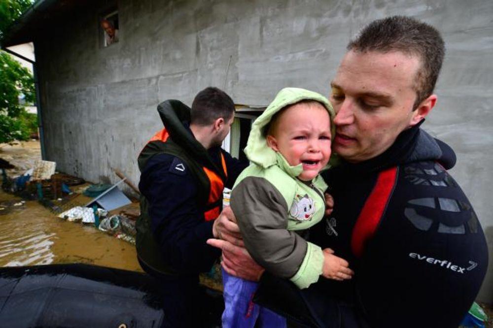 MAJ. 2014 GOD. Evakuacija-obrenovac-tanjug-1400239033-497717