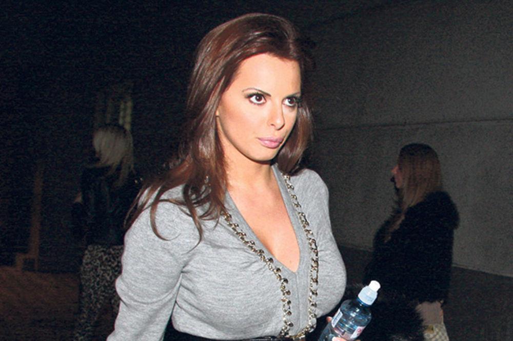 (FOTO) KAKVO TELO IMA ŽENA ACE LUKASA: Sonja objavila fotografiju i ostavila sve bez daha