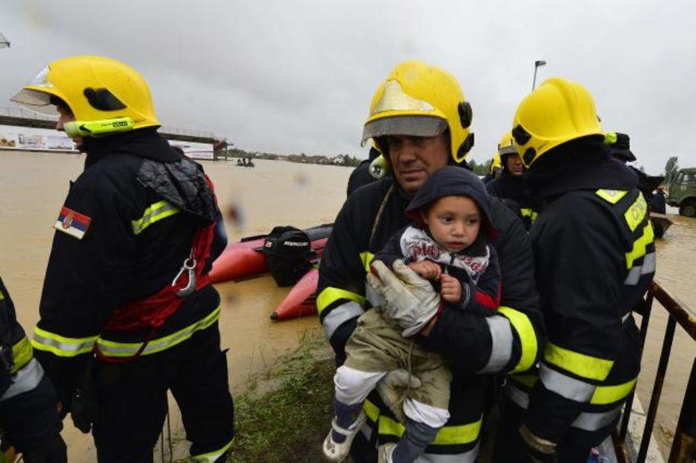 obrenovac-poplave-evakuacija-foto-tanjug-1400311633-498317.jpg