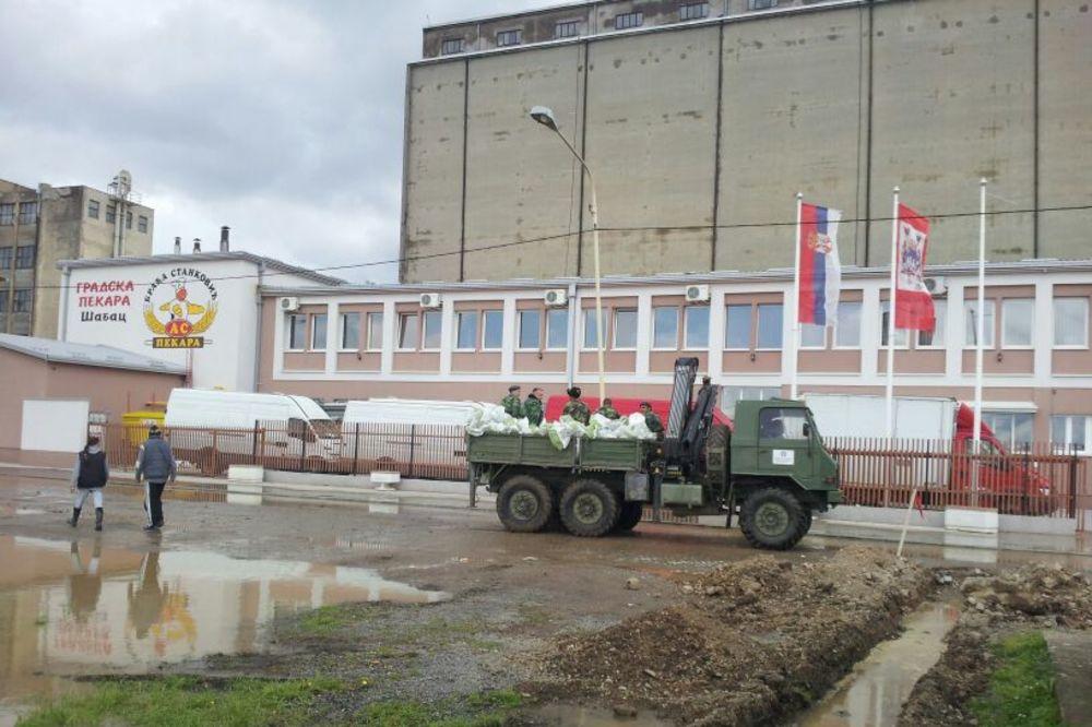 MAJ. 2014 GOD. Poplavapoplave-sabac-dzakovi-nasip-foto-zorana-jevtic-1400330428-498491