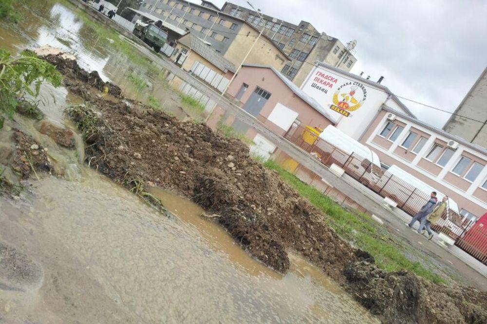 MAJ. 2014 GOD. Poplavapoplave-sabac-dzakovi-nasip-foto-zorana-jevtic-1400330428-498497