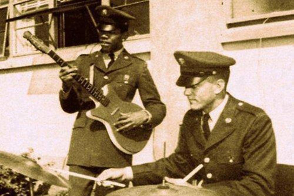 Jimi Hendrix Dzimi-hendriks-foto-reddit-1401099124-504673