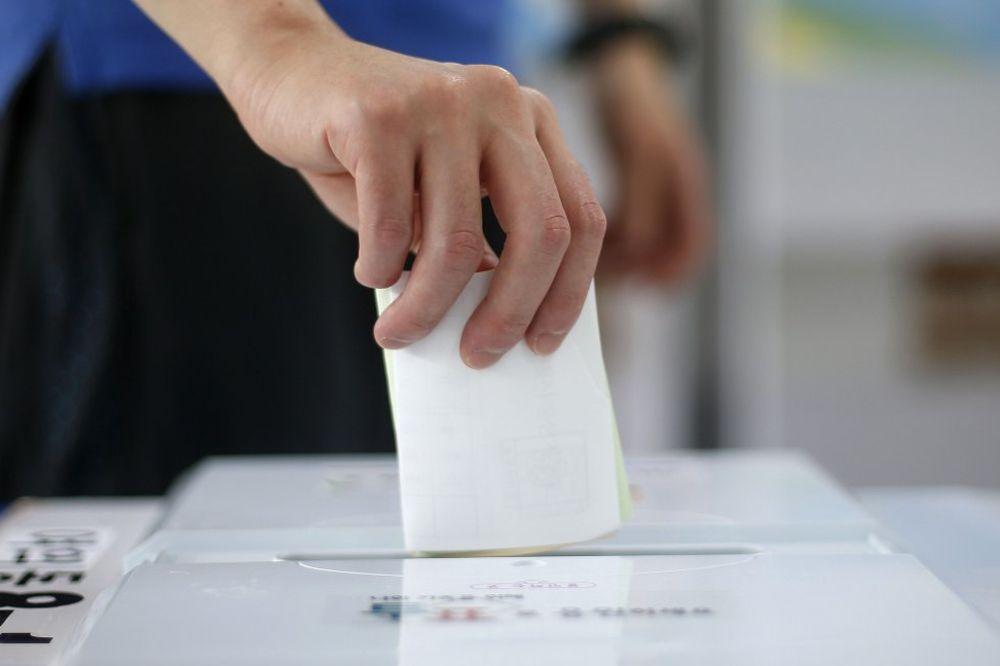 UŽIVO Otvoreno šest biračkih mesta, počelo glasanje