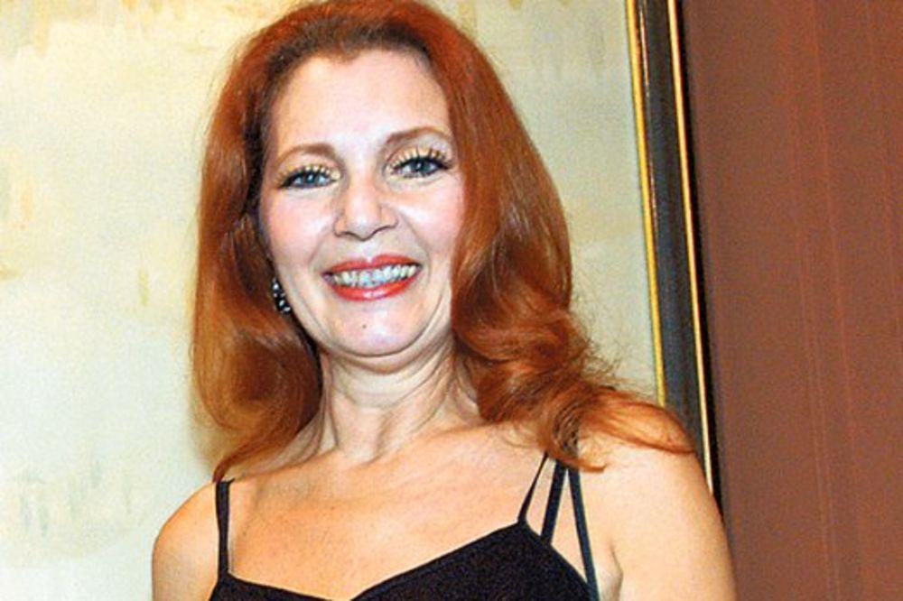 (VIDEO) KO OD MAJKE ROĐENA: Ovako se Tanja Bošković kupala gola u reci pre 33 godine