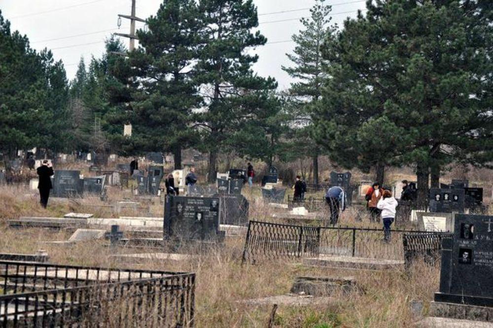 NI MRTVIMA NE DAJU MIRA: Oskrnavljena dva srpska groblja na Kosmetu