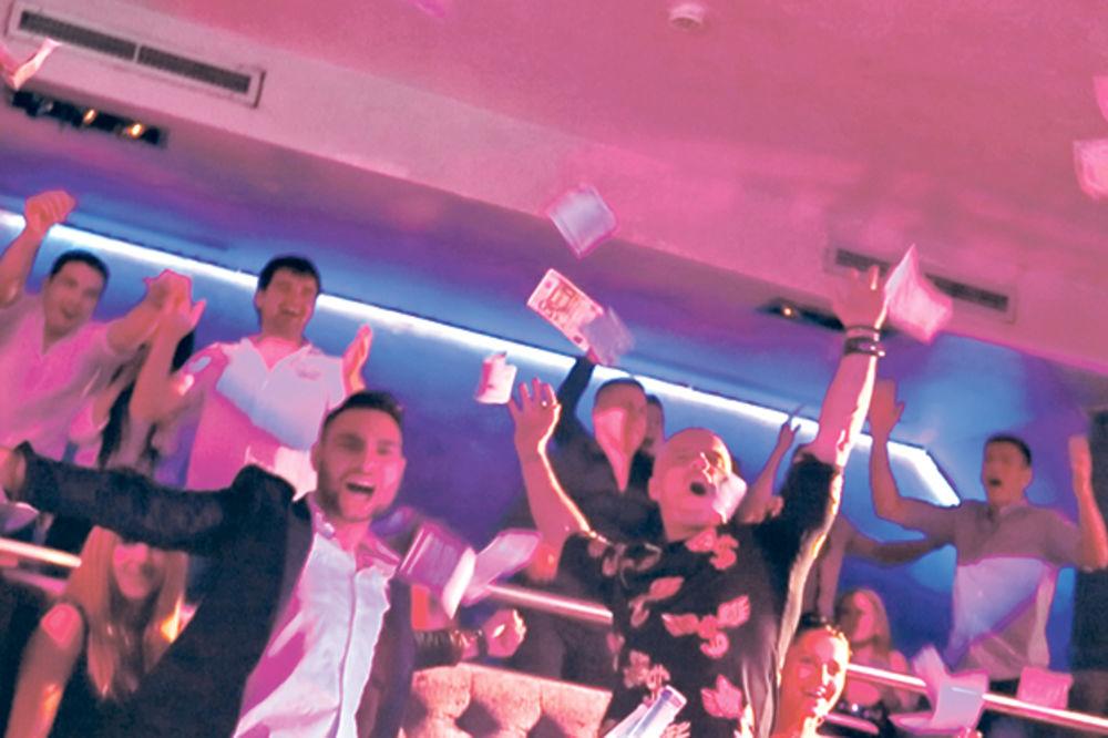 BAHATO: Boban Rajović bacao evre po klubu