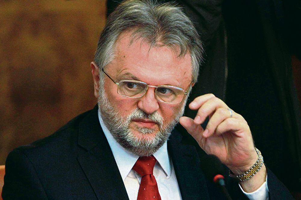 Vujović: Vlada će nastojati da ne seče penzije i plate