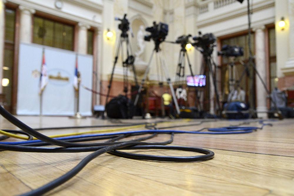 ROK 13. SEPTEMBAR: Državni mediji da pokrenu proces privatizacije