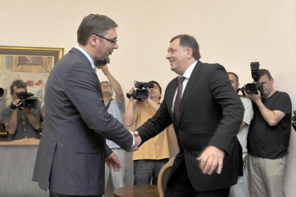 VUČIĆ ČESTITAO DODIKU: Uveren sam da ćete odgovorno i ozbiljno da vodite Republiku Srpsku!