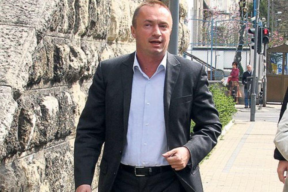 Pajtić podneo ostavku na poziciju šefa poslaničke grupe DS