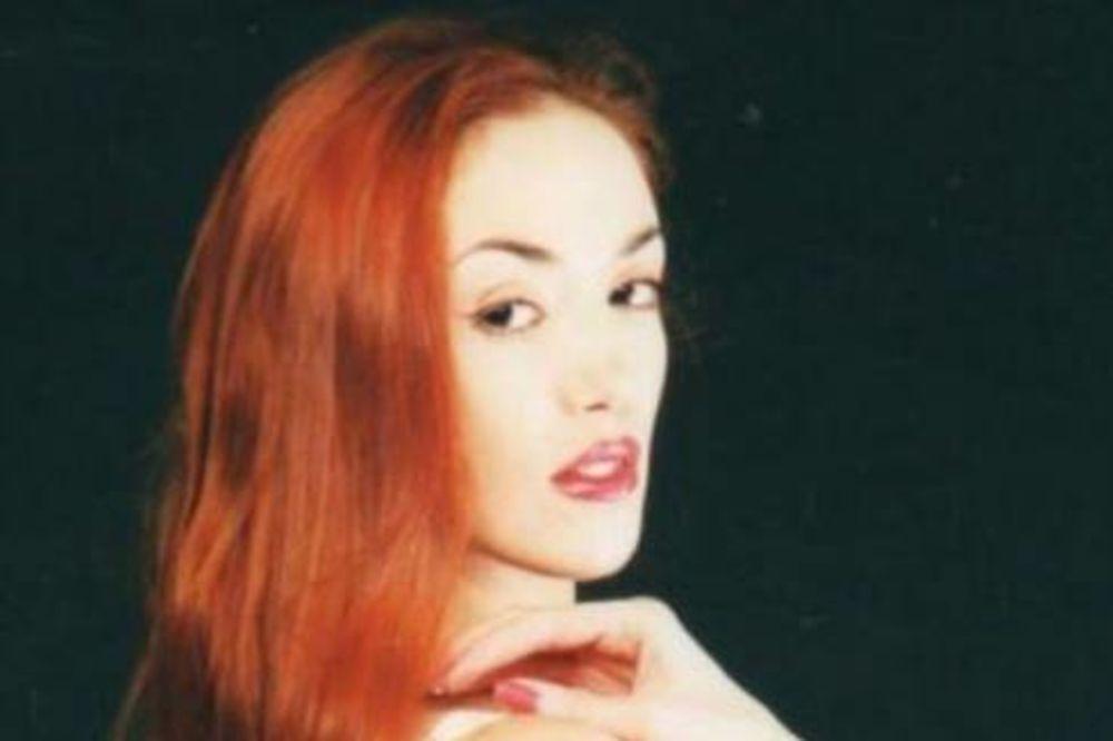 MONSTRUOZNO: Raskomadano telo porno glumice pronađeno u kovčegu na dnu jezera!