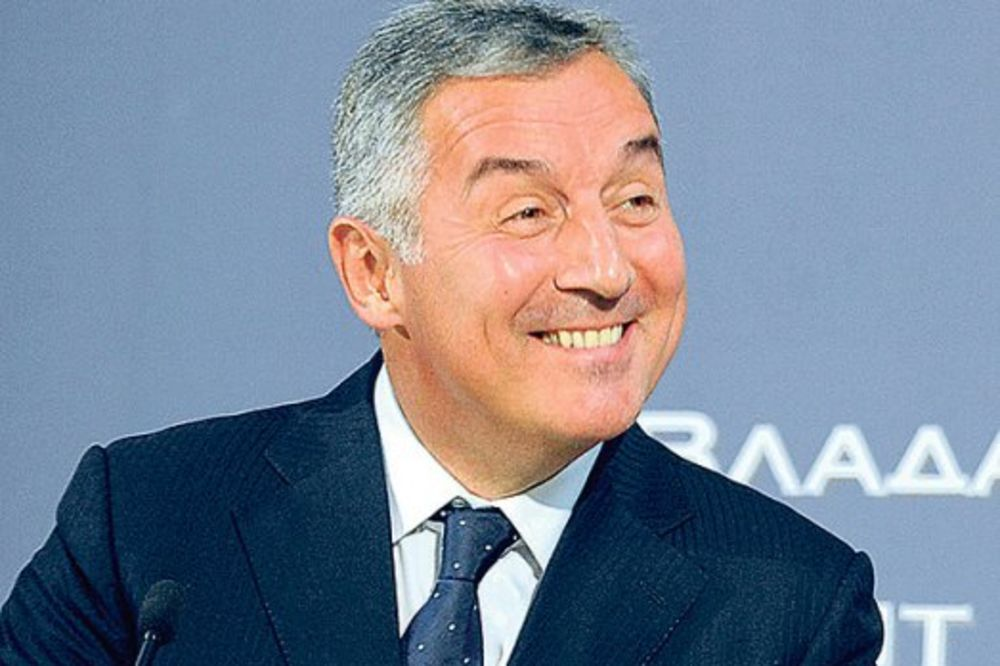 IZNETO 6,2 MILIJARDE DOLARA: Bušov savetnik uporedio Mila Đukanovića sa afričkim diktatorom!
