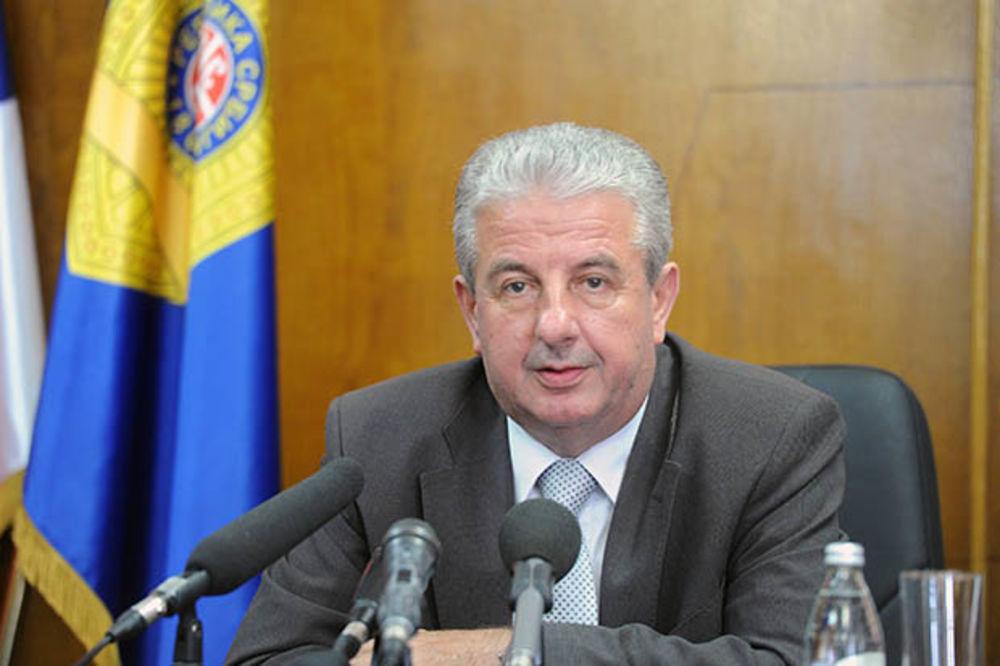 APEL DIREKTORA POLICIJE: Veljović pozvao policajce da prekinu štrajk!
