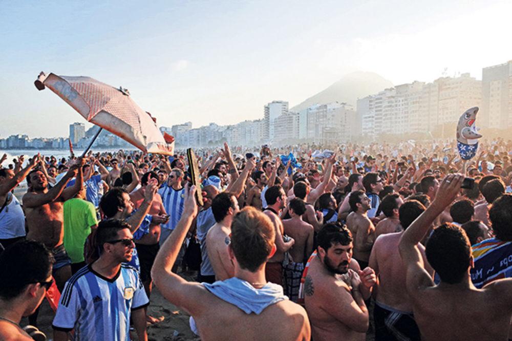 UŽIVO KOPAKABANA: Gledajte šta se dešava na čuvenoj plaži tokom finala Mundijala