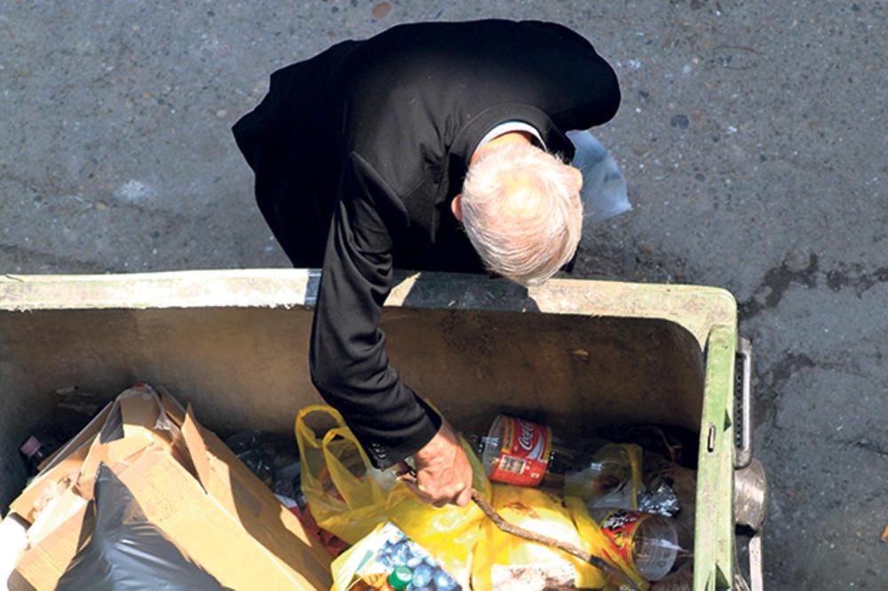 NITI JEDU NITI DRUGOM DAJU: Dospeo na sud jer je uzimao bačenu hranu iz kontejnera!