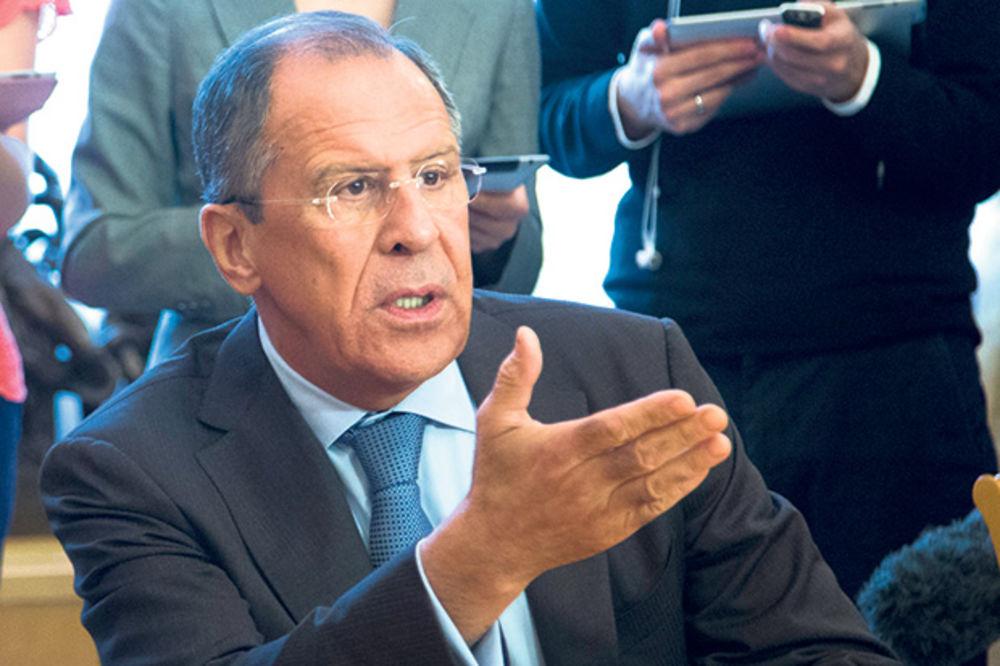 LAVROV U NEDOUMICI: Po Obami je posle virusa ebole, Rusija najveća pretnja svetskom miru?!