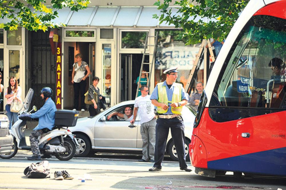 Nesreća... Vozač tramvaja je svirao, ali ga Stefan nije čuo