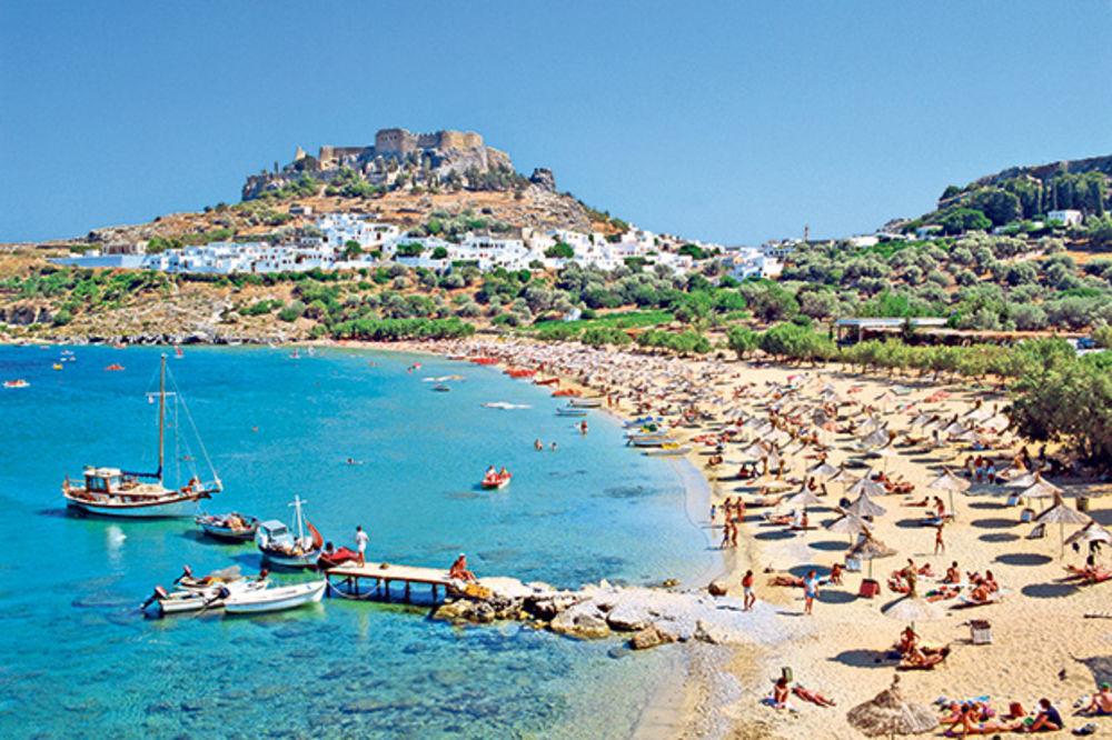 BRIGA IH I ZA KRIZU I ZA BOMBE: Svi odande beže, a srpski turisti hrle u Tunis, Grčku i Egipat