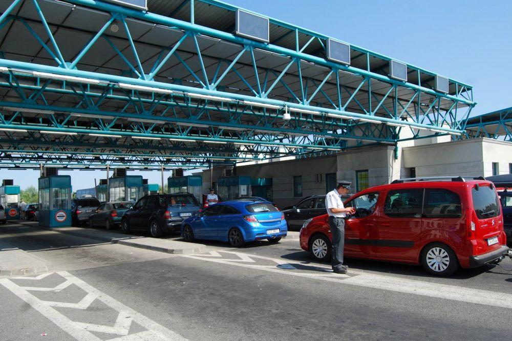 STANJE NA GRANIČNIM PRELAZIMA: Višesatna čekanja na Horgošu