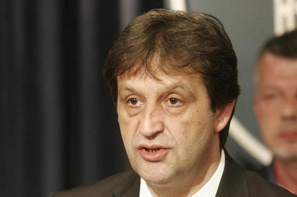 Gašić: Srbija ne razmišlja o uvođenju sankcija Rusiji