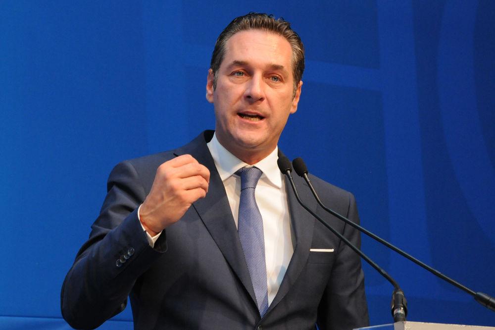 FPÖ pokreće tužbu protiv austrijskog kancelara zbog sanckija Rusiji!
