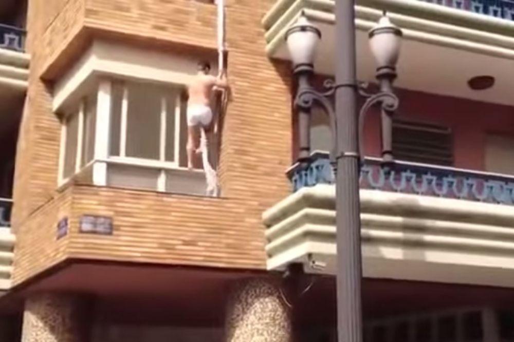 HIT VIDEO: Ljubavnik pobegao kroz prozor, pogledajte ko mu je pomogao