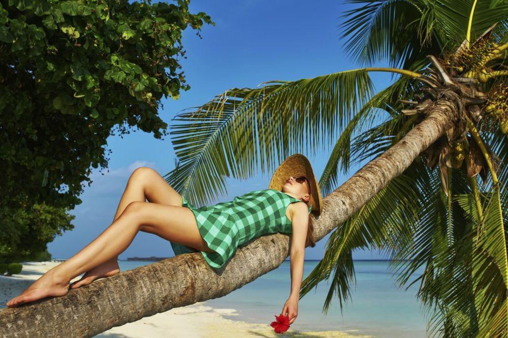DOKAZANO: Sunce je lekovito, rak kože izazivaju kreme za sunčanje! Suncanje-foto-thinkstock-1404736751-530081